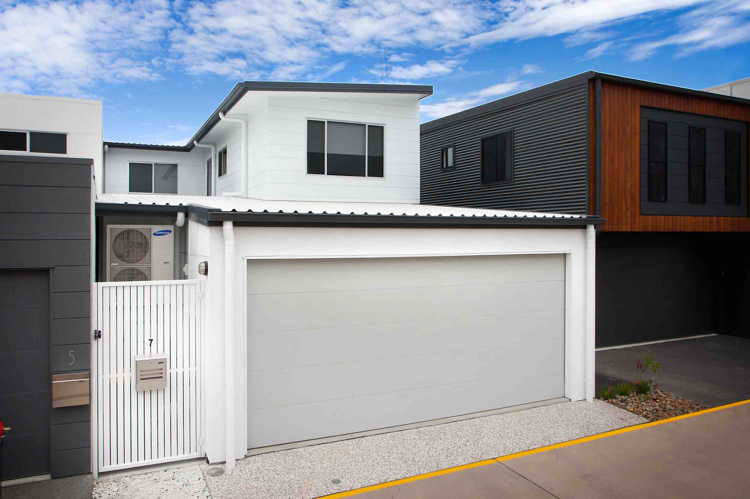 Small lot house design by Principal Plans garage to laneway